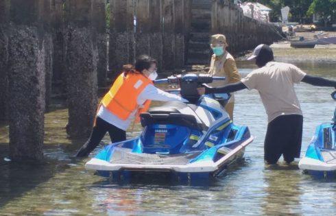 Kendarai Jetski, Gracia Dampingi GSVL pantau pembagian Bansos lansia di Alung Banua