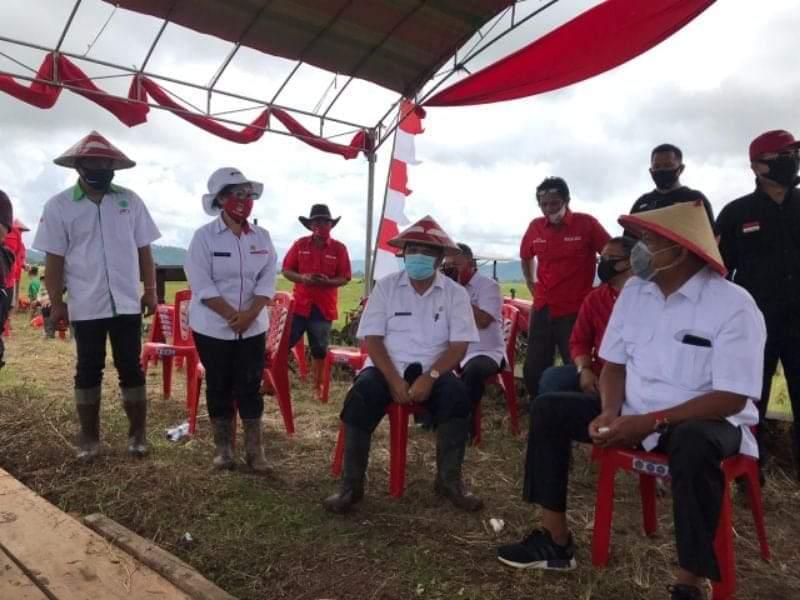 Permalink ke Olly Canangkan Gerakan Percepatan Olah Tanah di Minahasa