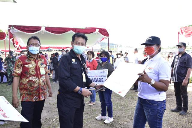 Permalink ke Menteri Pertanian Panen Jagung di Sulut