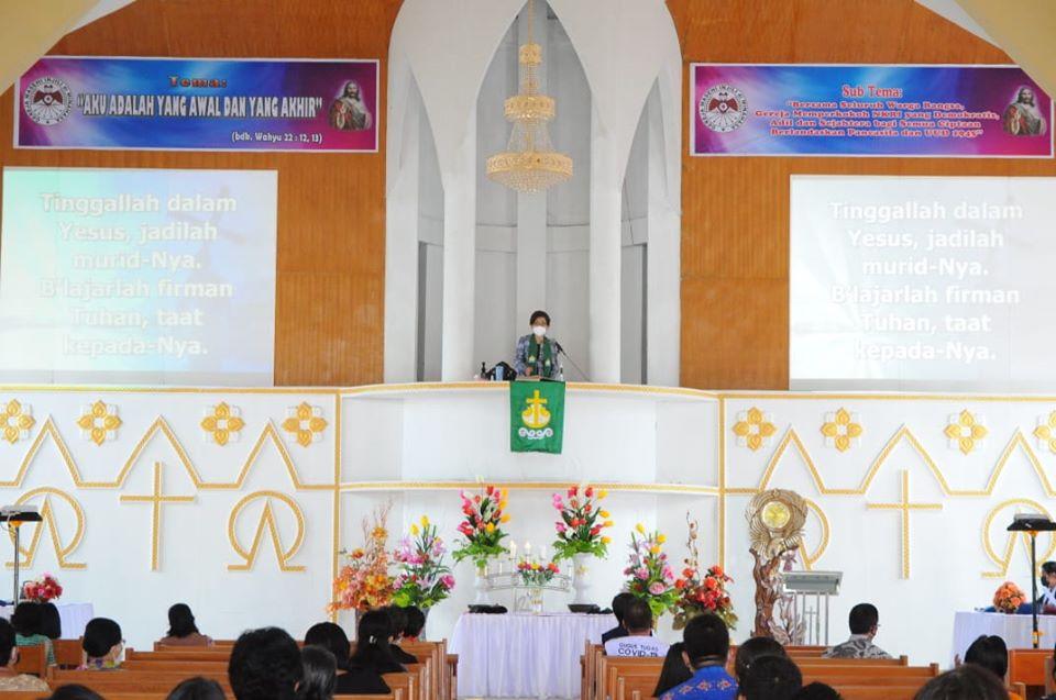 Permalink ke Khadim di GMIM Sabar Manado Tua, Pnt JPAR paparkan 10 Hukum Allah