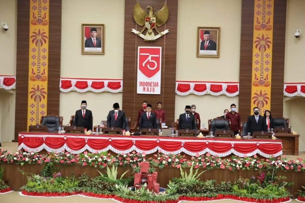 Permalink ke Olly Dondokambey – Steven Kandouw Bareng Deprov Dengar Pidato Jokowi