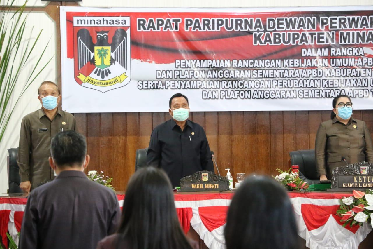 Permalink ke Wakili ROR, RD Hadiri Paripurna DPRD Minahasa