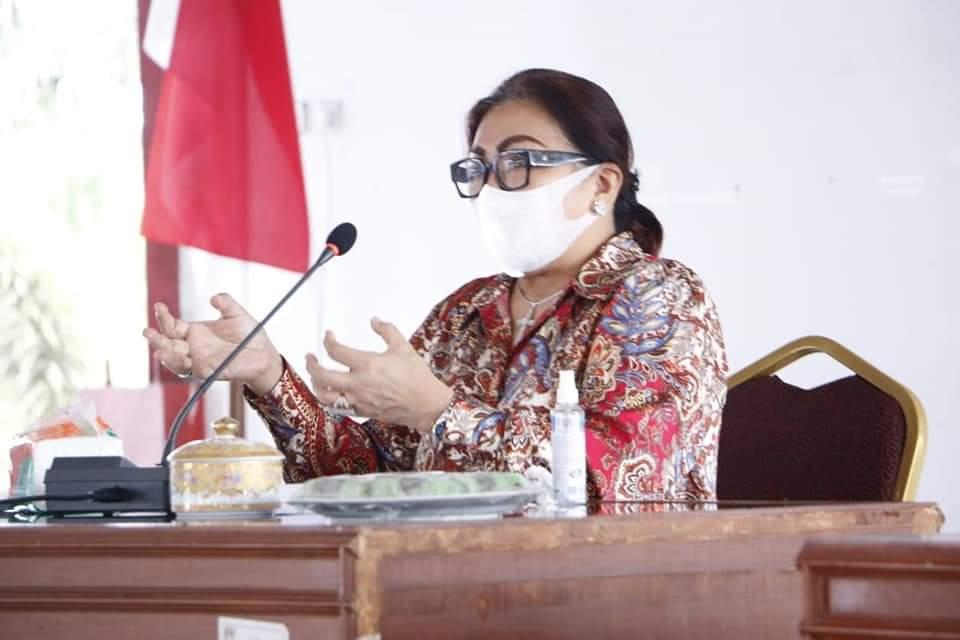 Permalink ke Fenny Lumanauw Ajak Ibu-ibu Jadi Contoh dan Teladan