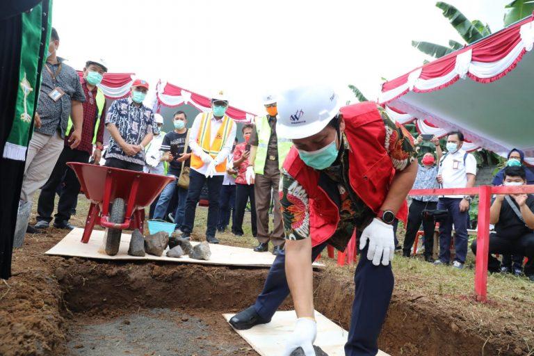 Permalink ke Steven Kandouw Letakkan Batu Pertama Pembangunan TPA Regional Manado