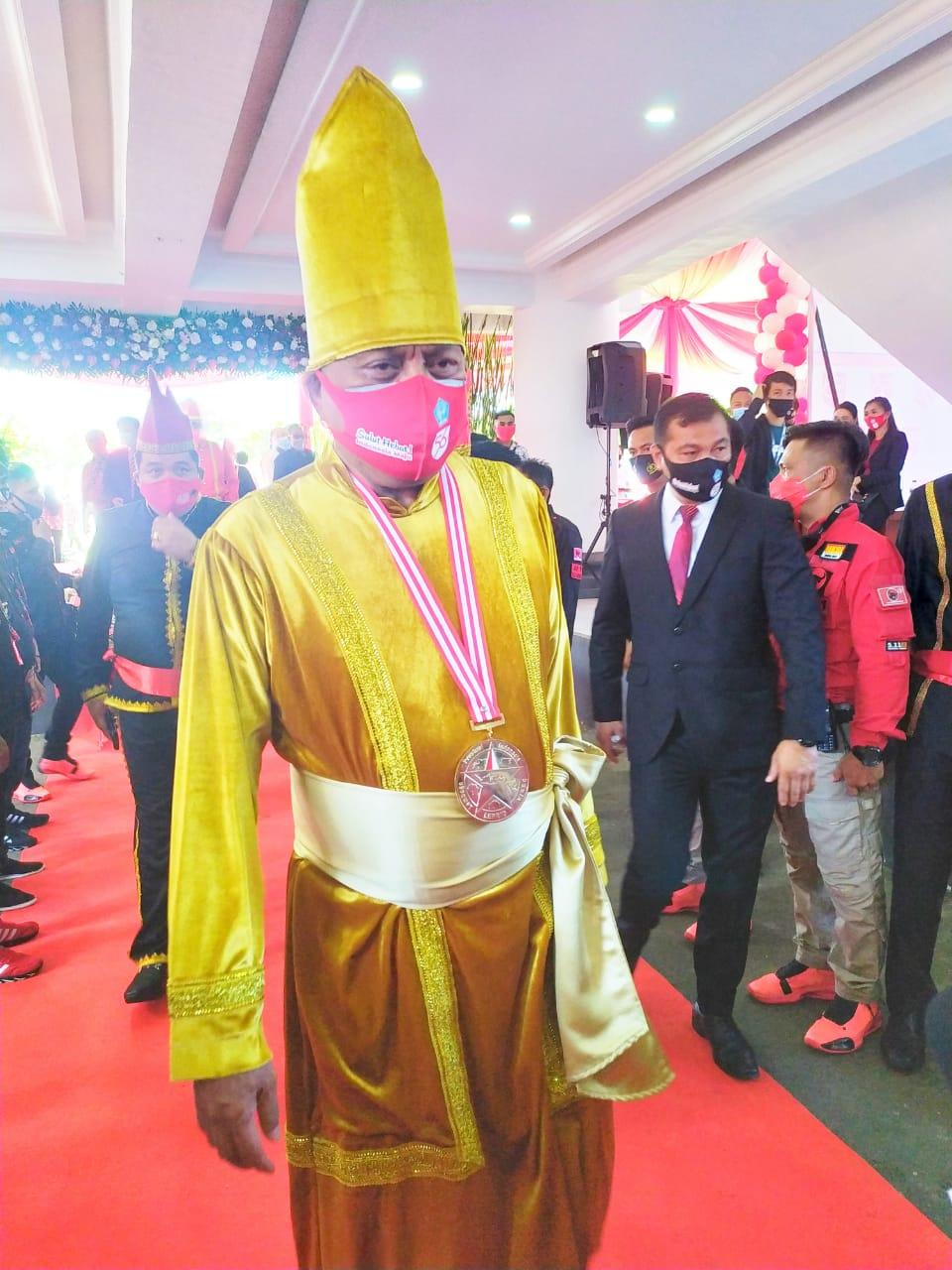Permalink ke Pejabat Pakai Pakaian Adat di HUT Provinsi, Ini Pilihan Olly