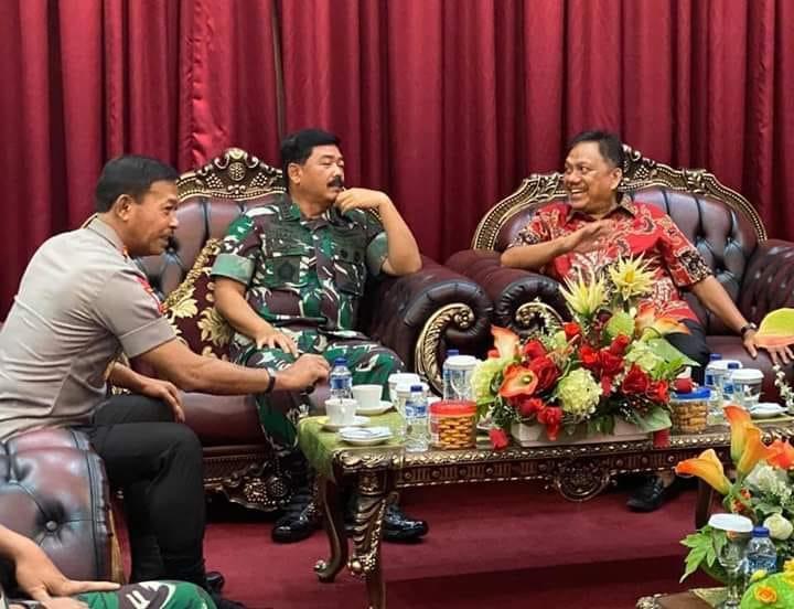 Permalink ke Olly: TNI dan Masyarakat Sulut Sejatinya Memang Menyatu