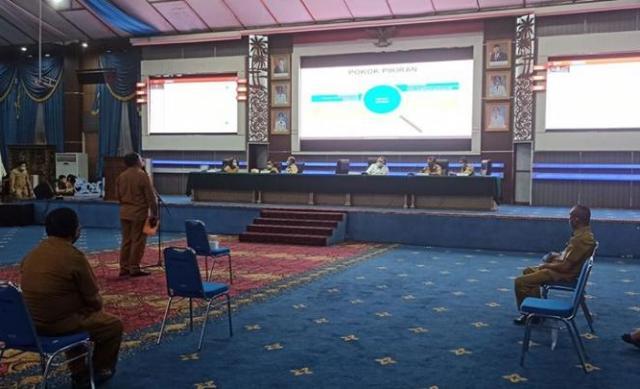 Permalink ke Kaban Liny dampingi Sekda Micler bahas Rancangan KUA-PPAS Manado 2021