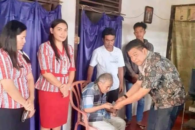 Permalink ke Terdampak Covid-19, 40 Orang Lansia Terimah Bantuan Sosial