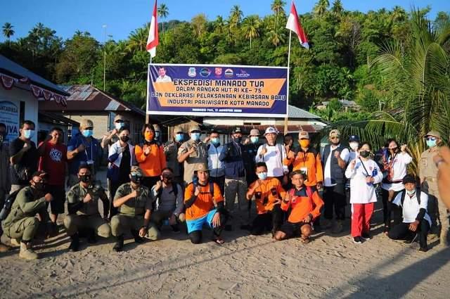 Permalink ke Kadishub Michael Tandirerung bangga bisa ikut upacara HUT ke-75 RI di puncak Manado Tua