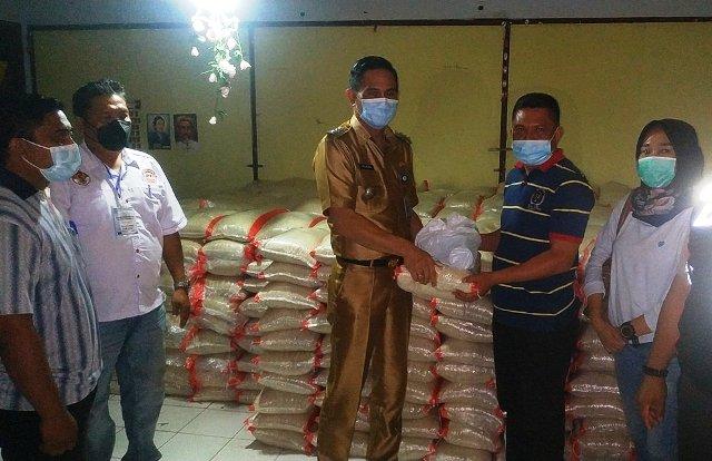 Permalink ke 5842 paket Bansos Covid-19 Tahap III Pemkot Manado disalurkan di Kecamatan Paaldua
