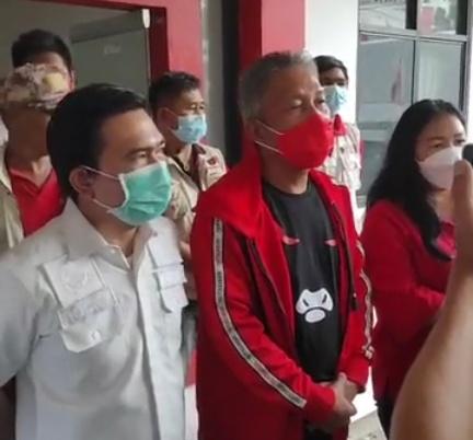 Permalink ke Wongkar pimpin pengurus PDIP bantu korban bencana Manado